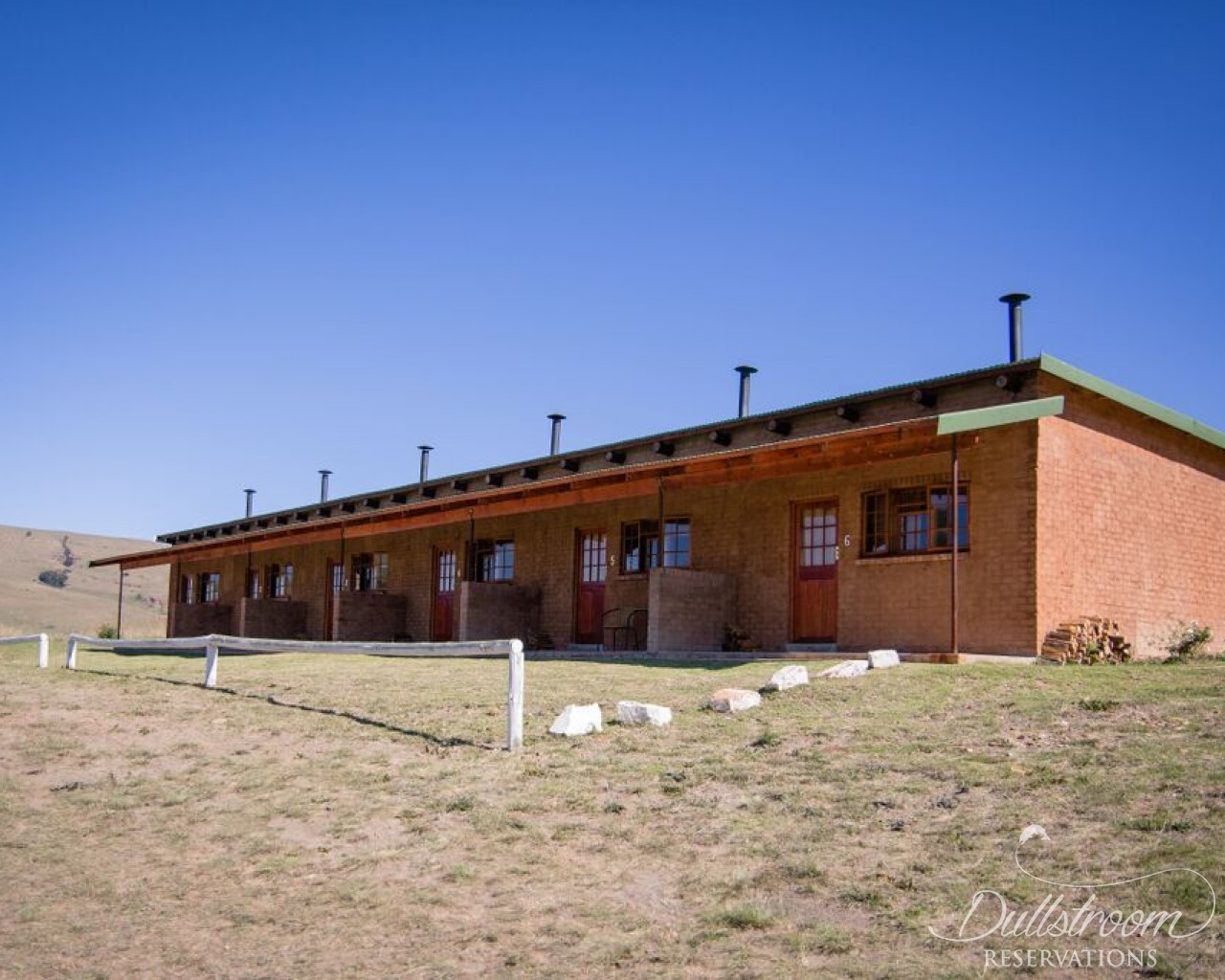 The Red Barn: The Stables - accommodation in Dullstroom ...