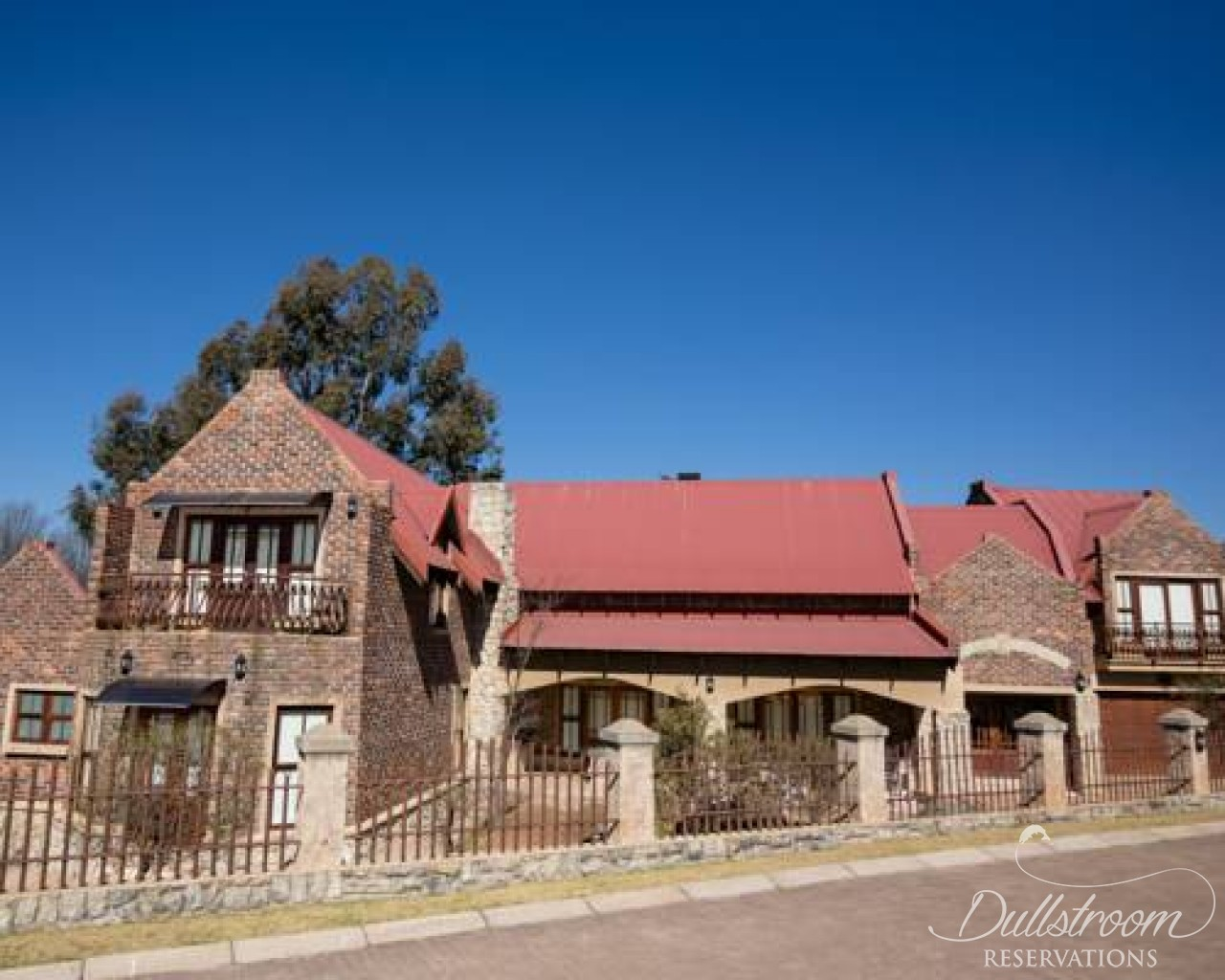 Windsor house accommodation in dullstroom dullstroom for Windsor house